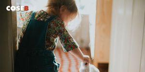 Body positivity: le bambole con la vitiligine create dal nonno per la nipote