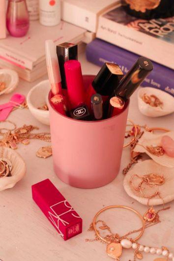 Pink, Lipstick, Lip, Product, Beauty, Cosmetics, Lip gloss, Material property, Nail, Magenta,