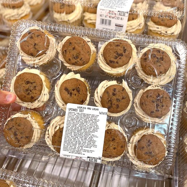 costco cookies and cream cupcakes