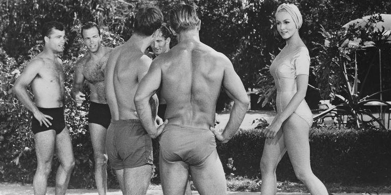 Costumi da bagno: slip o boxer, cosa è meglio per l\'uomo?