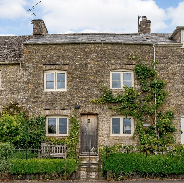 honey coloured cottage for sale in the cotswolds