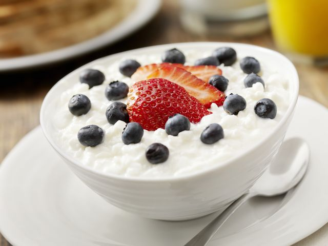 cottage cheese with fresh fruit