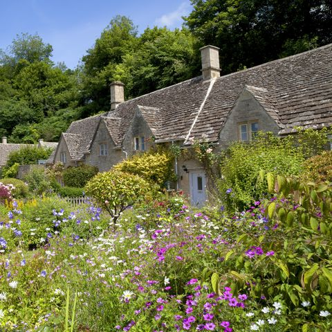 How To Get The Cotswold Garden Look Christine Walkden S Top Tips