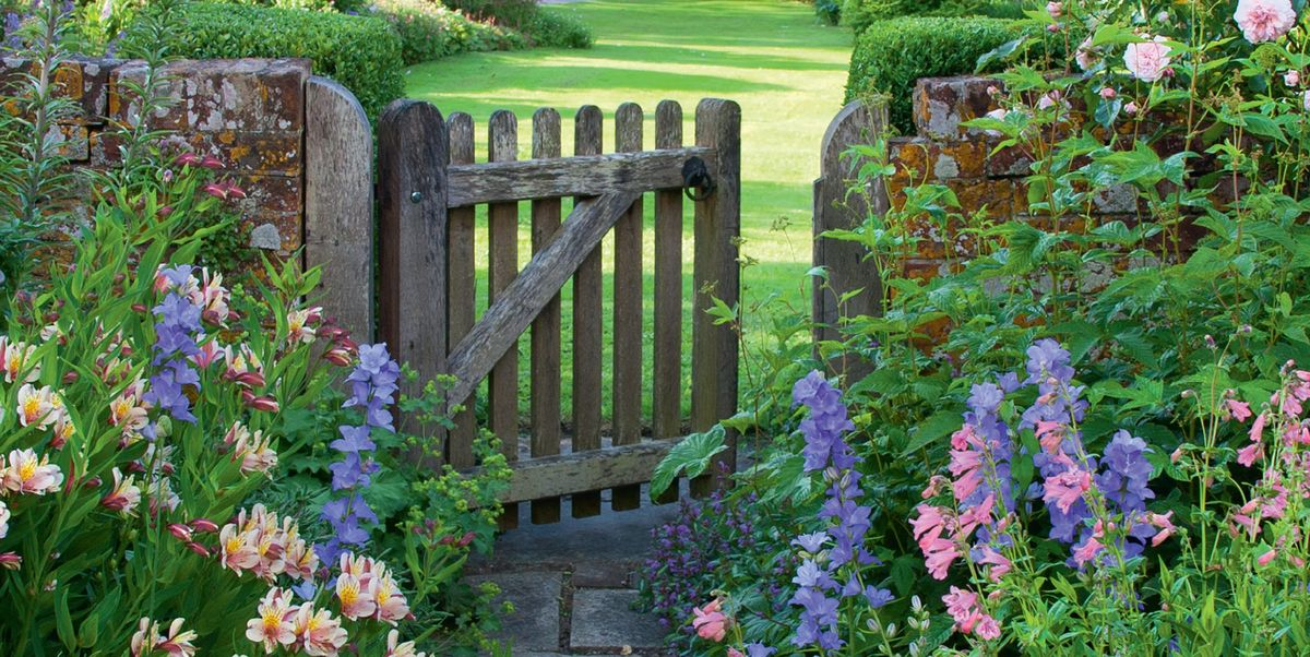 8 ways to recreate the 'cottage garden' look