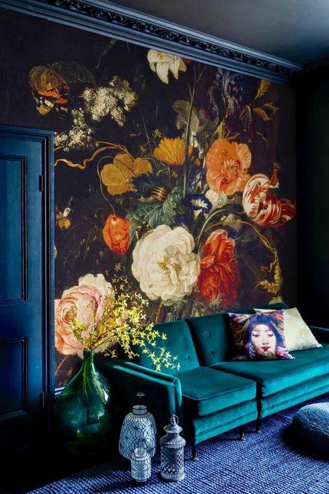 Salón con papel pintado de maxi flores