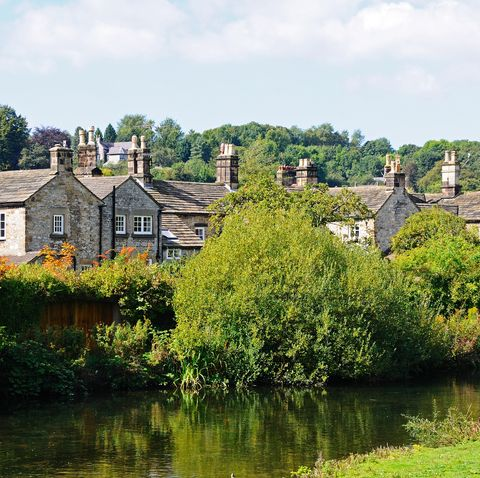 Cottages alongside the River Wye, Bakewell.