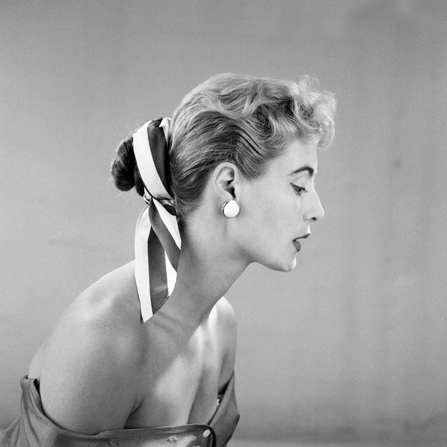 Fashion, hair decorations, 1955