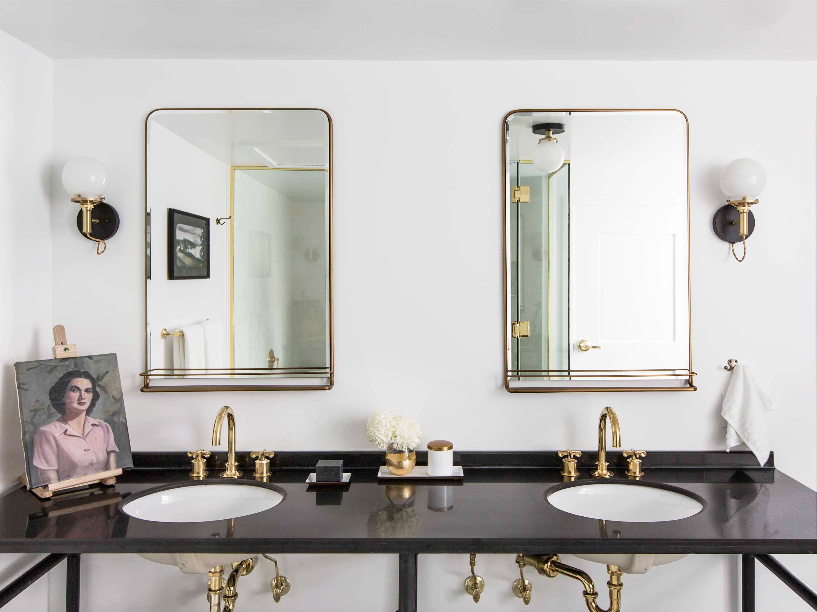 21 Organization Tricks to Make Your Bathroom Feel Twice as Big