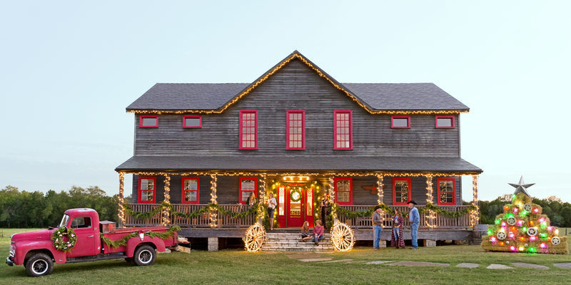 Escape the Stress of the City With a Country-Inspired Christmas