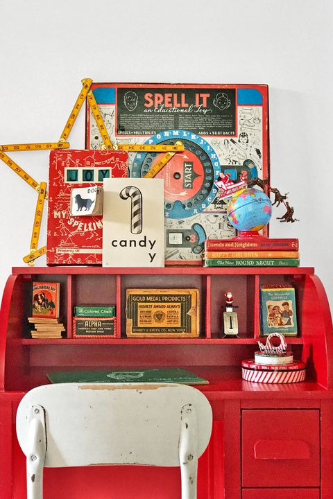 country christmas decorations desk