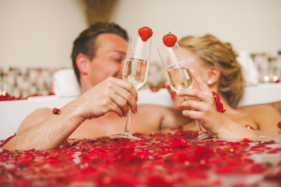 25 Fun Things to Do on Valentine's Day for a Memorable and Romantic Night
