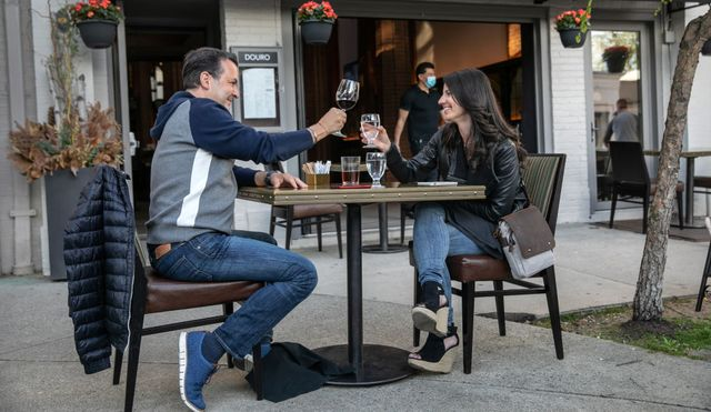 greenwich, ct restaurants extend outdoor dining into streets for social distancing