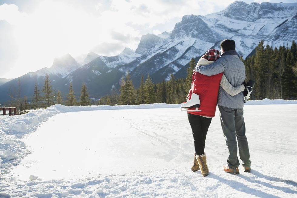 30 Best Winter Date Ideas to Make the Most of the Cold Weather