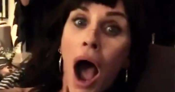 Courteney Cox chops off her fringe in hilarious Scream throwback video