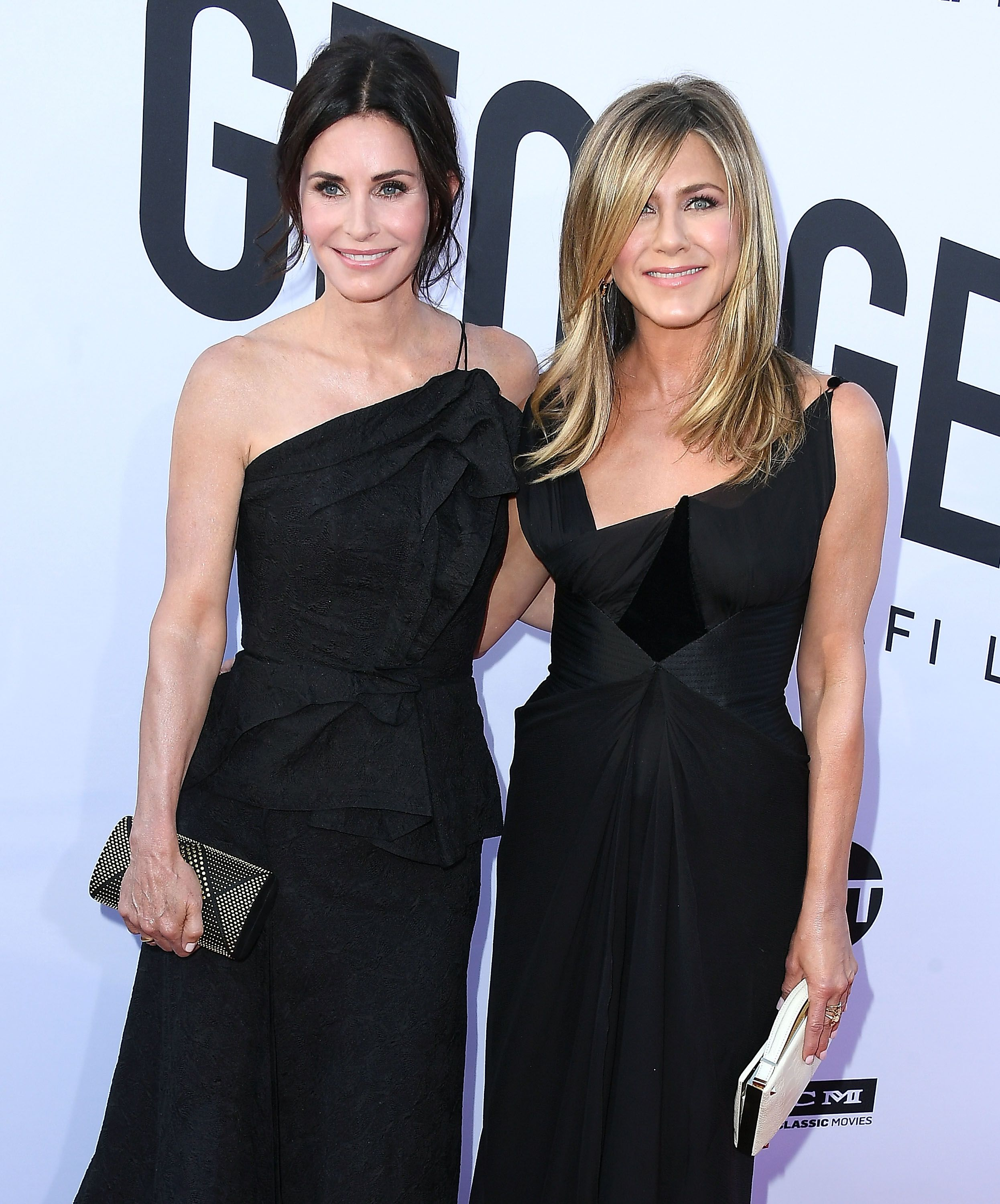 Jennifer Aniston & Courteney Cox The two Friends have made it last way longer than the show did! They met on the set of the hit '90s comedy and have been close ever since, with 20 years of friendship under their belts.