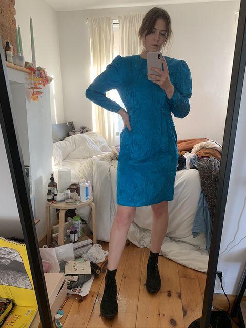 Clothing, Blue, Dress, Leg, Footwear, Outerwear, Room, Mirror, Textile, Knee,