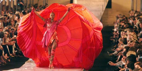 Performance art, Folk dance, Tradition, Performance, Organism, Dance, Event, Abdomen, Performing arts, Dancer,
