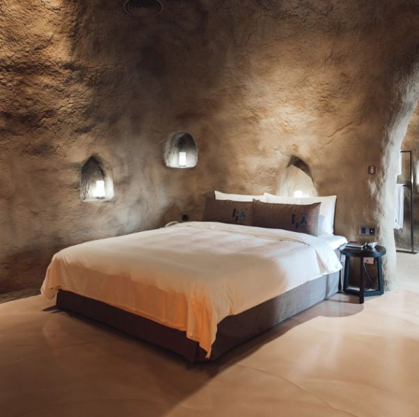 Bedroom, Room, Wall, Interior design, Property, Furniture, Bed, Suite, Building, Architecture,