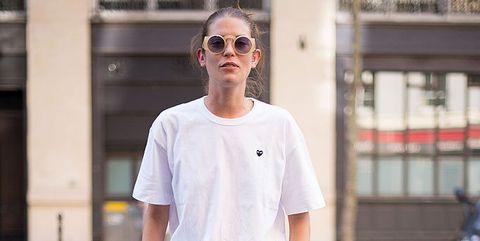 9278582234 Getty Images. Assurdo pensare che la prima t-shirt bianca ...