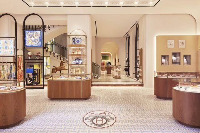 la boutique di hermès a milano