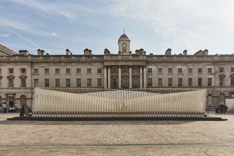 Landmark, Palace, Building, Architecture, Classical architecture, Facade, Château, Official residence, City, Stately home,