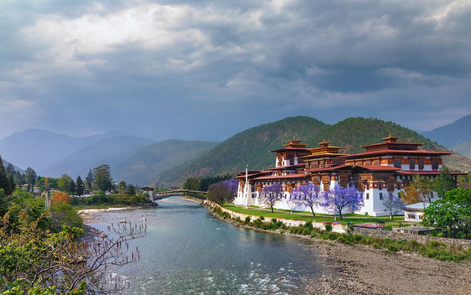 Un viaggio nel regno della felicità, il Bhutan ti offre questo un'immersione totale nella spiritualità (e nella natura)