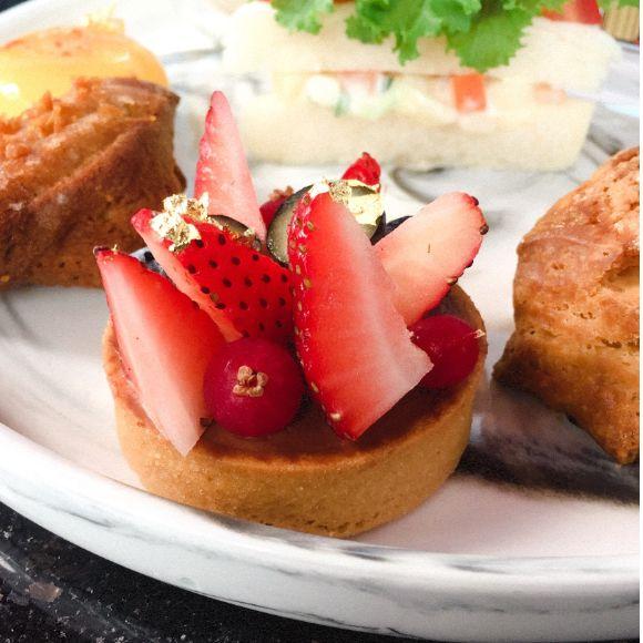 台北下午茶推薦!唐寧茶攜手CÉ LA VI Taipei推出限時下午茶組合,英式精緻甜品、茶點一次品嘗