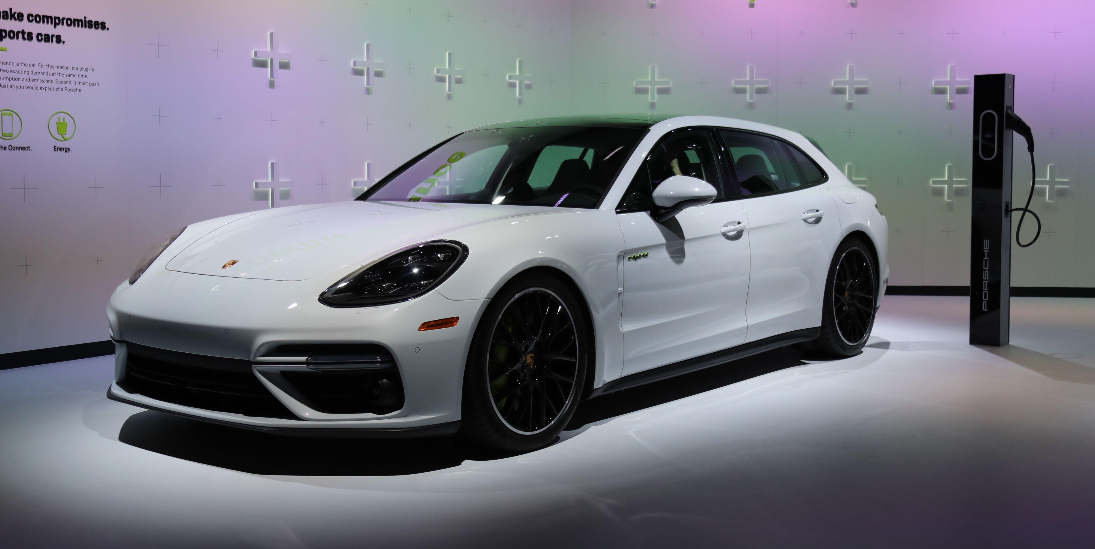 Porsche Panamera Turbo S E-Hybrid Sport Turismo: Here It Is