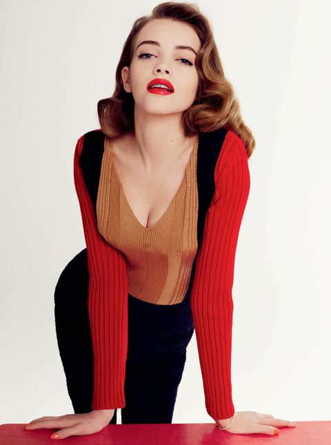 Red, Clothing, Lip, Shoulder, Beauty, Wool, Neck, Photo shoot, Sweater, Fashion,