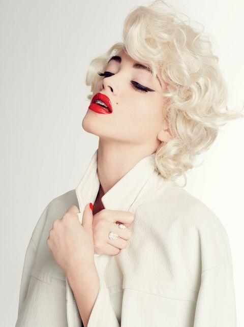 Hair, White, Face, Lip, Skin, Beauty, Hairstyle, Chin, Blond, Photo shoot,