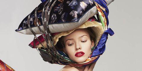 cr-fashion-book-fake-ads