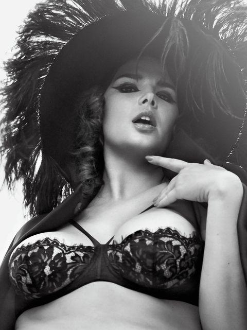 Brassiere, Lingerie, Clothing, Lip, Beauty, Model, Black-and-white, Undergarment, Monochrome photography, Photo shoot,