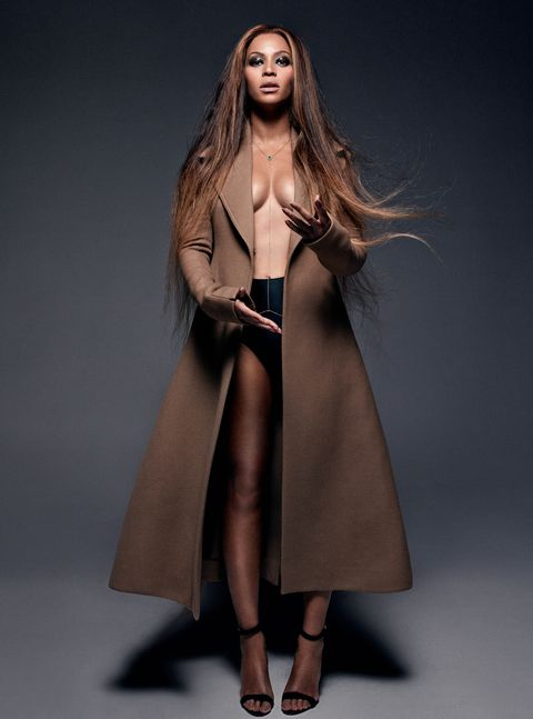 Fashion model, Clothing, Coat, Outerwear, Overcoat, Fashion, Trench coat, Fur, Brown, Dress,