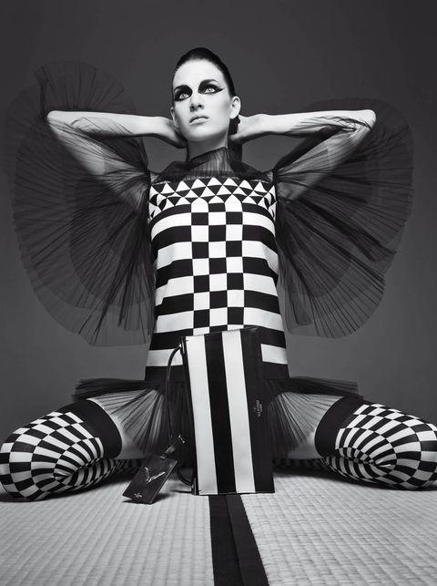 Black-and-white, Monochrome, Photo shoot, Fashion, Monochrome photography, Model, Leg, Photography, Design, Cool,