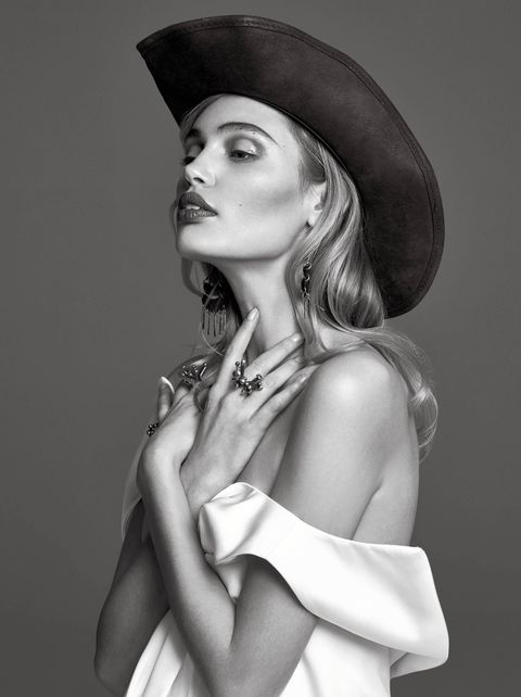 Beauty, Lip, Black-and-white, Model, Photo shoot, Hat, Photography, Fashion model, Monochrome, Illustration,