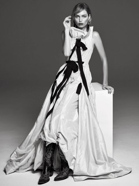 Fashion model, Clothing, Dress, Gown, Fashion, Beauty, Photo shoot, Fashion design, Haute couture, Black-and-white,