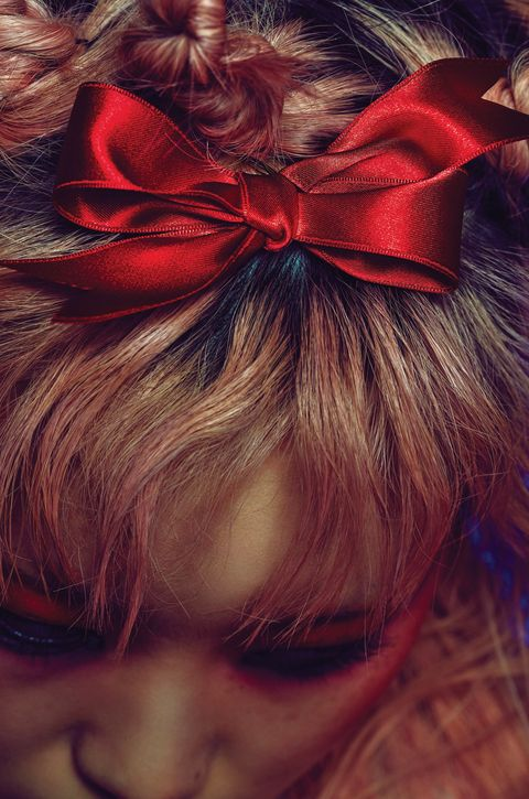Hairstyle, Red, Hair accessory, Costume accessory, Liver, Maroon, Ribbon, Brown hair, Knot, Hair coloring,