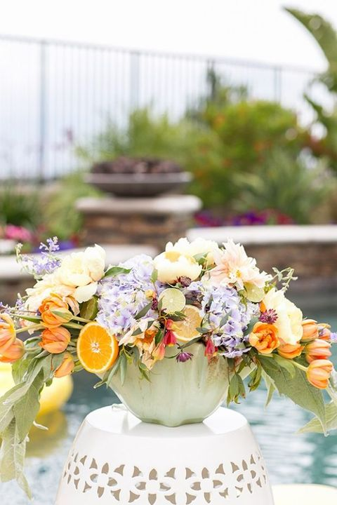 Flower Arranging, Flower, Bouquet, Floristry, Floral design, Yellow, Cut flowers, Orange, Centrepiece, Plant,