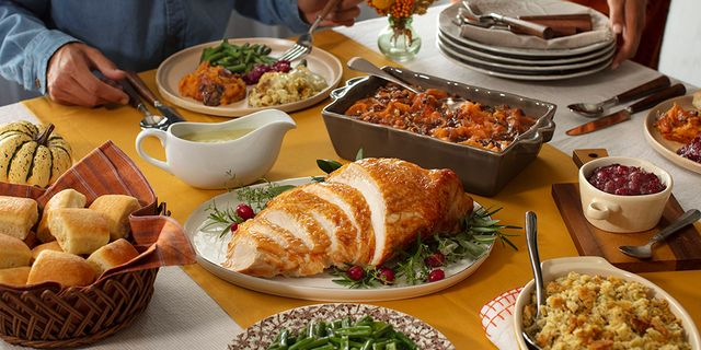 Cracker Barrel Has Tons Of To Go Thanksgiving Dinners This Year