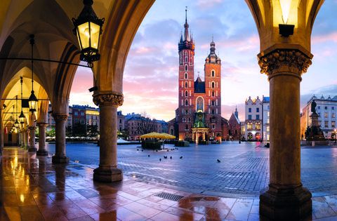 St Mary's Basilica, Bazylika Mariacka, Through the Arches, The Cloth Hall, Krakow, Poland