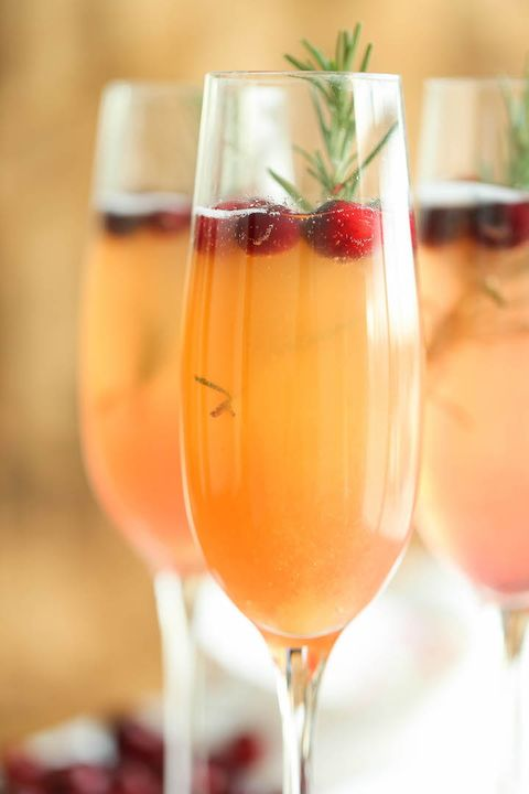 35 Best New Year's Eve Drinks for 2020 - Cocktail and ...