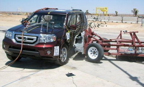 nhtsa side barrier crash test