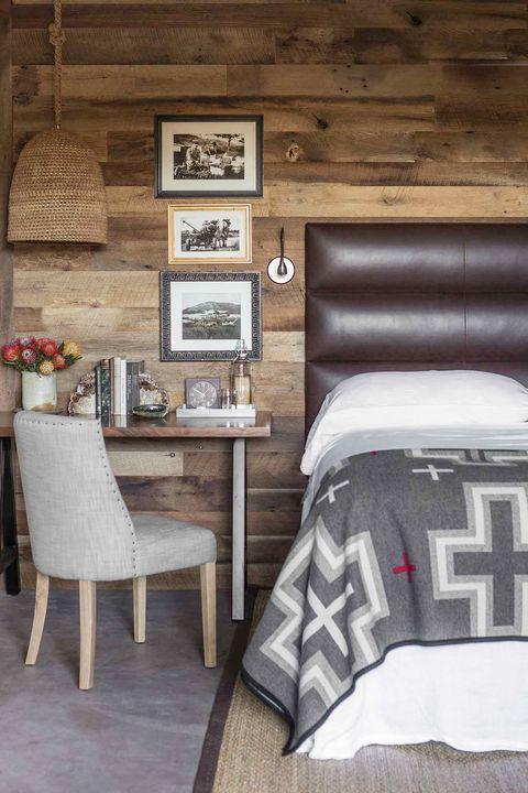 Smart Bedside Table: 24 Creative Bedside Table Ideas