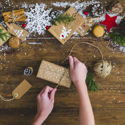 use recyclable wrapping paper for a more eco friendly christmas