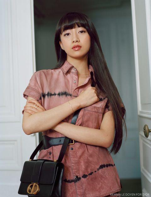 Clothing, Shoulder, Skin, Fashion model, Beauty, Fashion, Model, Joint, Bag, Fashion accessory,