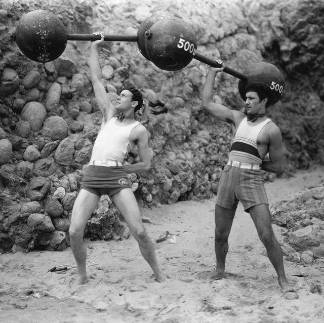 Cosmética para hombres que entrenan en la playa