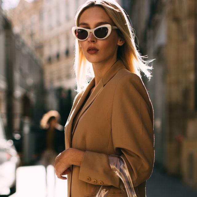 Eyewear, Sunglasses, Street fashion, White, Clothing, Fashion, Shoulder, Beauty, Outerwear, Glasses,