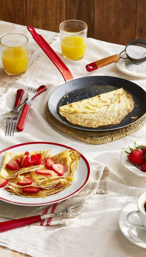 crepes-with-strawberries-and-lemon-curd