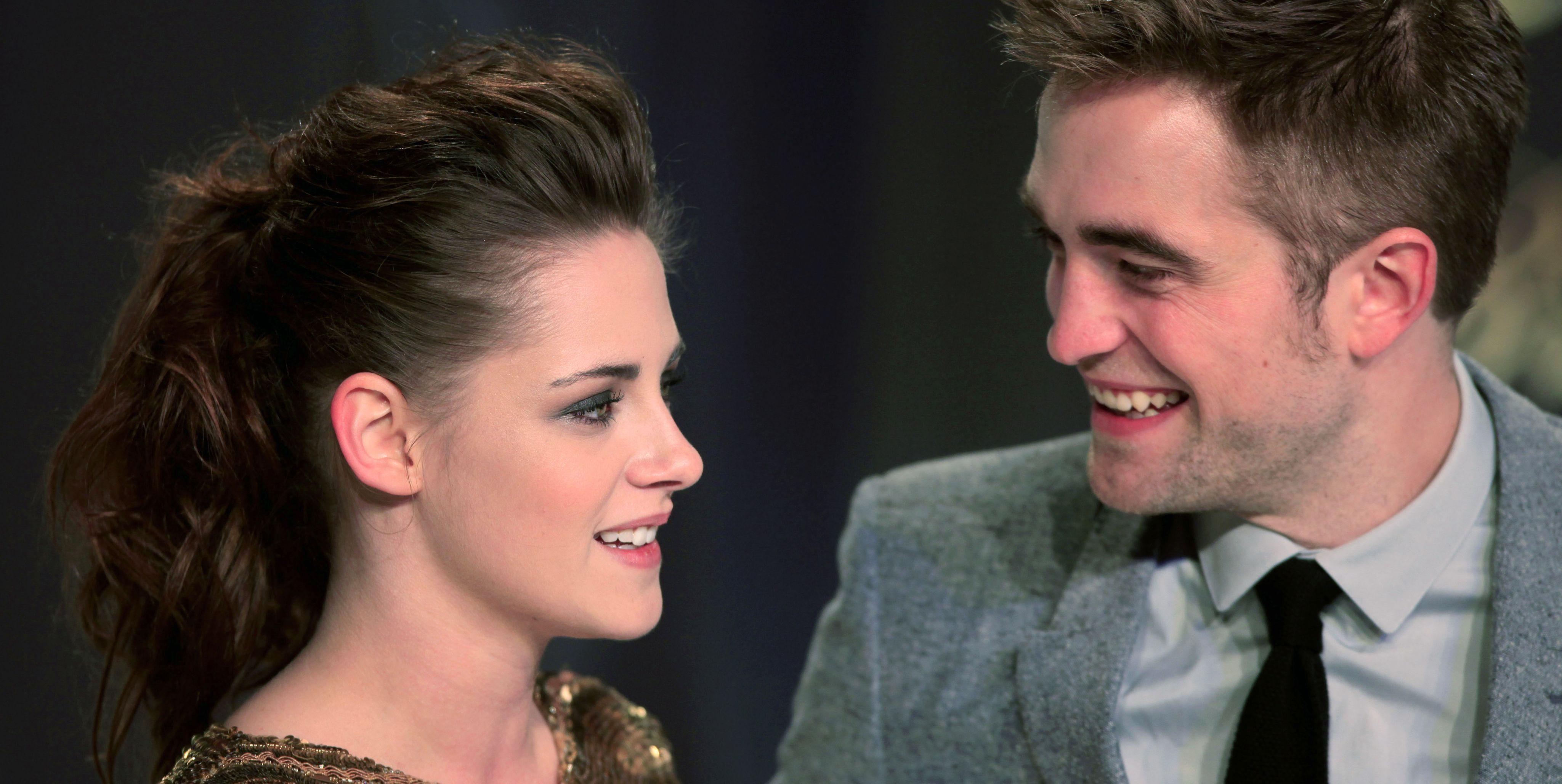 Kristen Stewart y Robert Pattinson durante una aparición pública