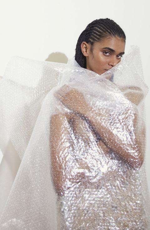 Veil, Bridal accessory, Bridal veil, Wedding dress, Bride, Bridal clothing, Dress, Gown, Outerwear, Fashion design,